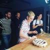 Кэти Перри разочаровала фанатов новой песней «Bon Appetit», аудио