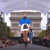 Модное шоу L'Oreal в Париже в октябре 2017, видео