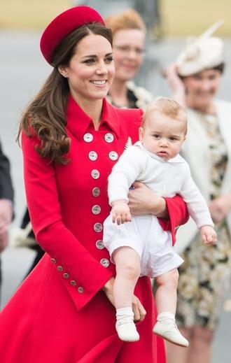 Герцогиня Кембриджская с сыном Джорджем