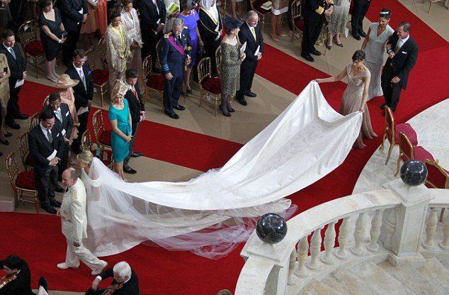 Фото свадебного платья княгини Монако