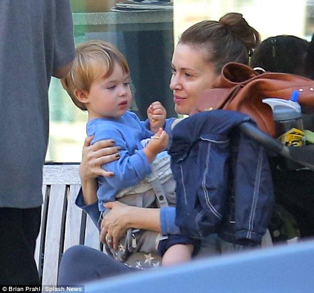 Алисса Милано с сыном
