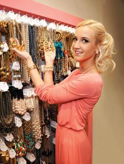 Ольга Бузова в своём магазине