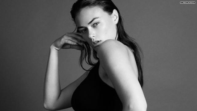 Бренд  Calvin Klein подвергся критике из-за высказывания модели Майлы Далбесио