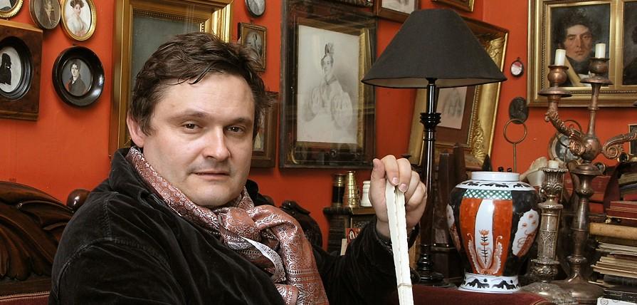 Александр Васильев — историк моды, искусствовед, телеведущий