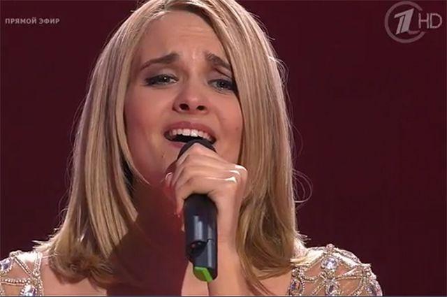 Победительницей 3 сезона шоу «Голос» стала  Александра Воробьева. Видео