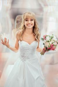 Алла Михеевапримерила свадебное платье