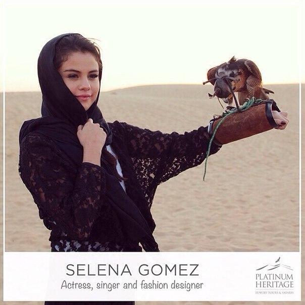 Селена Гомес фото во время соколиной охоты в Абу-Даби 2015