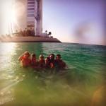 Селена Гомессдрузьями в Абу-Даби 2015