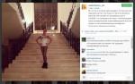 Анастасия Волочкова на фоне лестницы в новом доме