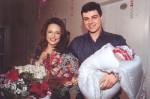Довлатова со вторым мужем и новорожденной дочерью