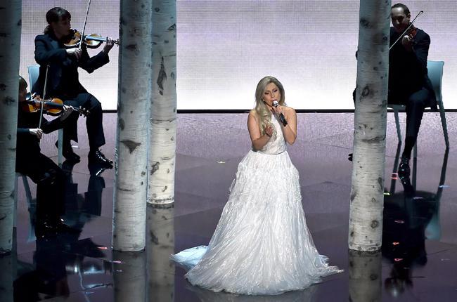 Оскар 2015: выступление Леди Гага (видео)