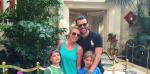 Бритни Спирс с детьми и Чарли Эберсолом в Лас-Вегасе фото 2015 из соцсети
