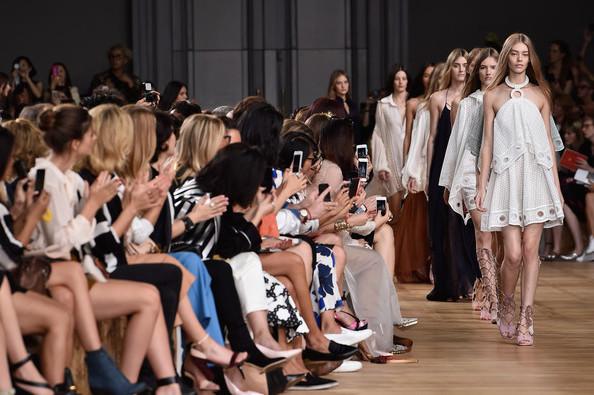 Неделя моды в Париже 2015: модные показы Stephane Rolland, Giambatista Valli, Georges Hobeika