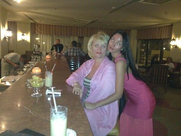 Анна Калуччи с мамой