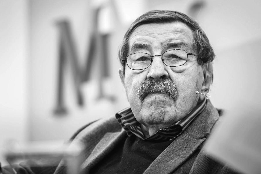 Знаменитый немецкий писатель Гюнтер Грасс скончался в Германии