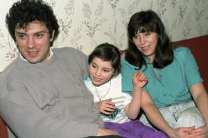 Жанна Немцова с родителями в детстве фото 1994 года
