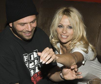 Памела Андерсон и Рик Саломон в 2007 году