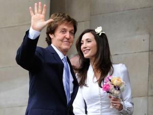 Пол Маккартни и Нэнси Шевелл в день свадьбы