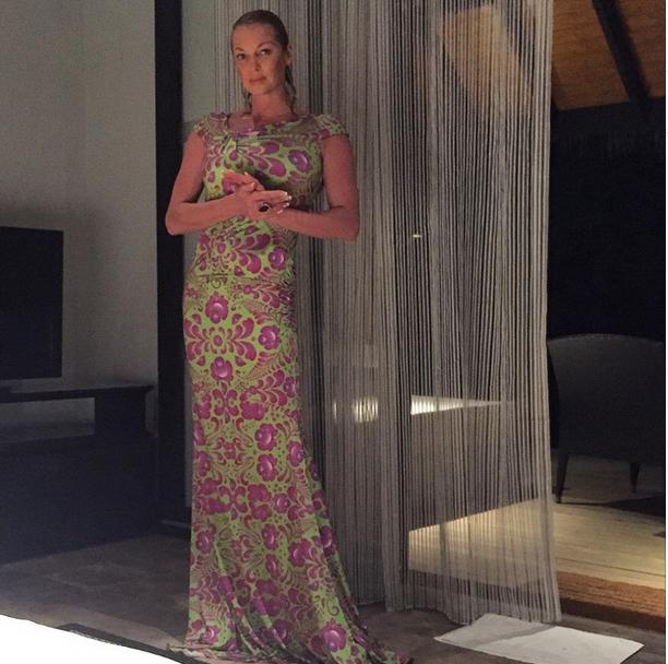 Анастасия Волочкова в номере отеля, Мальдивские острова фото май 2015