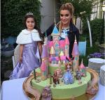 Фото Ксении Бородиной с дочерью Марусей в день рождения девочки 10 июня 2015