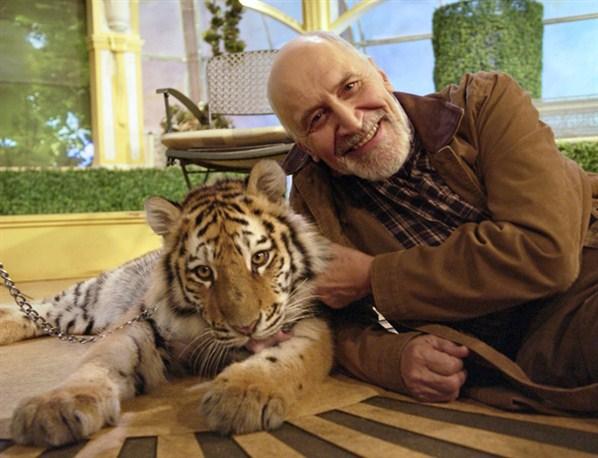 """Фото ведущего """"В мире животных"""" Николая Дроздова"""