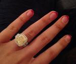 Игги Азалия 2015 помолвка, кольцо (фото из Инстаграма)