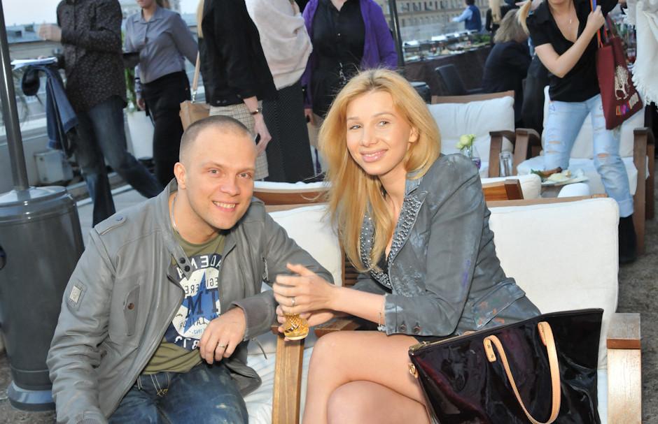 На фото диджей Грув и его жена Александра