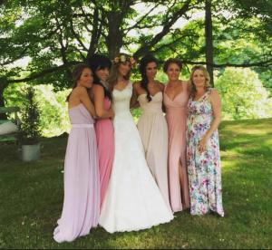 Невеста Гая Ричи Джеки Эйнсли с подружками фото из Инстаграма
