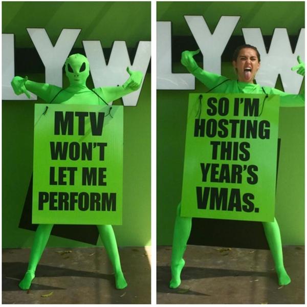 Miley-Cyrus-Hosting-2015-VMAs