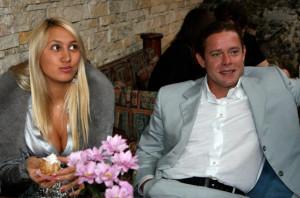 На фото Павел Буре с женой Алиной Хасановой