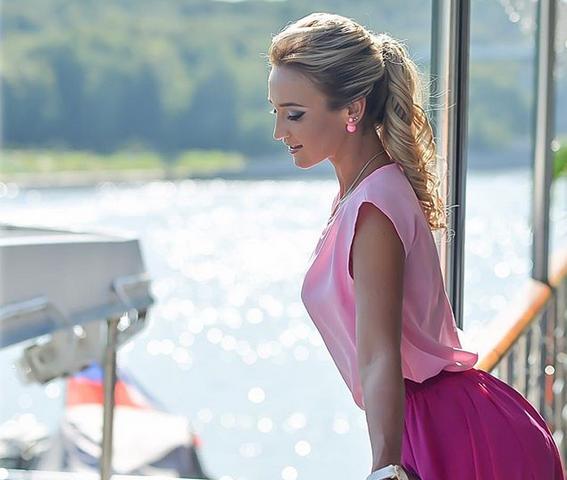 Ольга Бузова прокомментировала скандал с закрытием магазинов одежды C&C