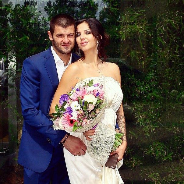 Хоккеист Александр Радулов женился на гимнастке Дарье Дмитриевой