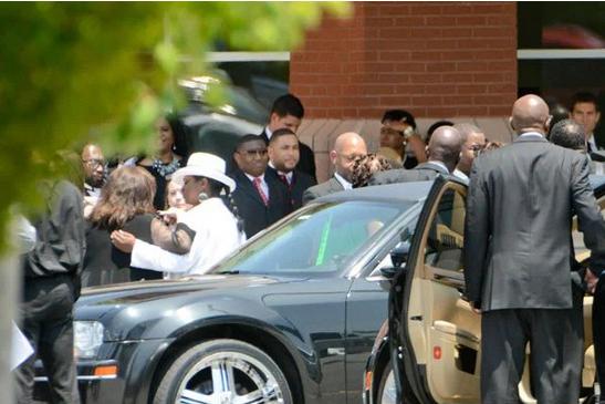 Фото с похорон Кристины Браун, дочери Уитни Хьюстон