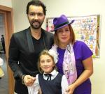 Дочь Дениса Клявера и Евы Польны Эвелин на фото вместе с родителями 1.09.2015