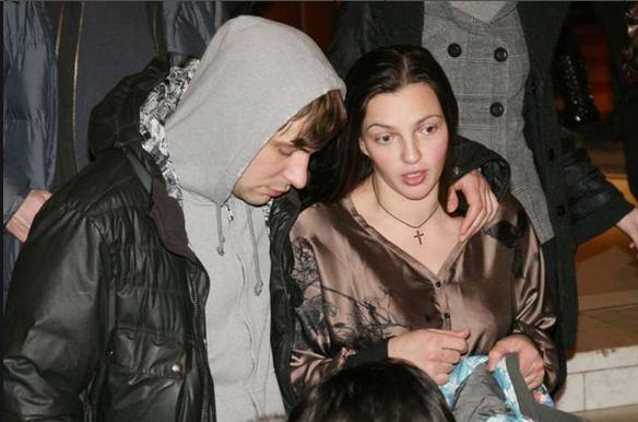 У Евгения Цыганова и Ирины Леоновой родился седьмой ребёнок