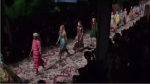 Фото с показа коллекции Гуччи на Неделе моды в Милане сезон весна-лето 2016