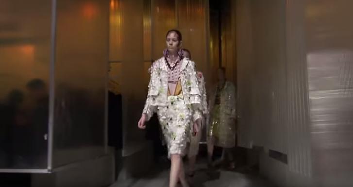 Неделя моды в Милане весна-лето 2016: видео показа Prada (Прада)