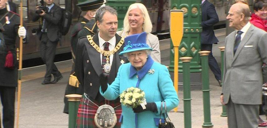 Королева Елизавета II фото 2015