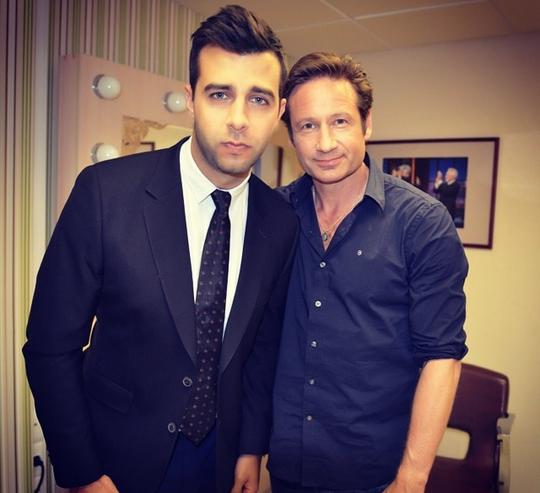 На фото Иван Ургант вместе с актером Дэвидом Духовны