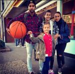 Фото Ивана Урганта с семьёй