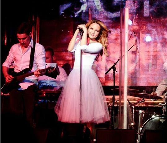 Певица Максим фото 2015 во время выступления Инстаграм