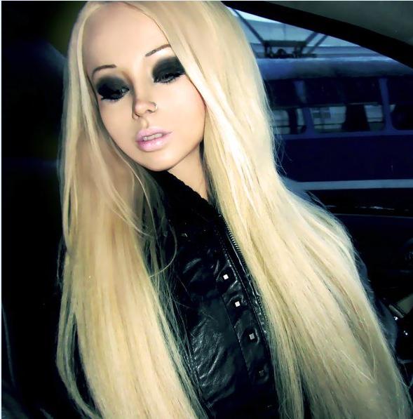 Фото Валерии Лукьяновой, также известной как Барби, Аматуе, Нахема