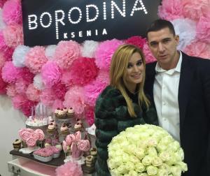 Ксения Бородина с мужем Курбаном Омаровым фото на открытии второго салона красоты в октябре 2015