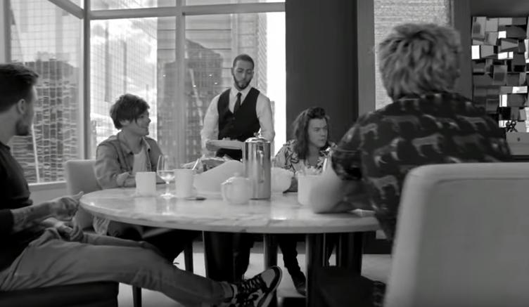 Группа One Direction выпустила официальное видео на песню Perfect