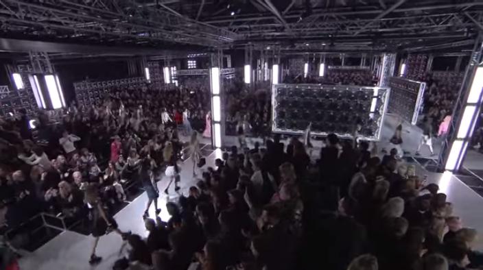 Неделя моды в Париже весна-лето 2016: видео модного показа Луи Виттон ( Louis Vuitton)