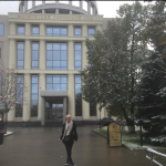 Саша Проджект (Саша Project) фото 2015 перед зданием Мосгорсуда