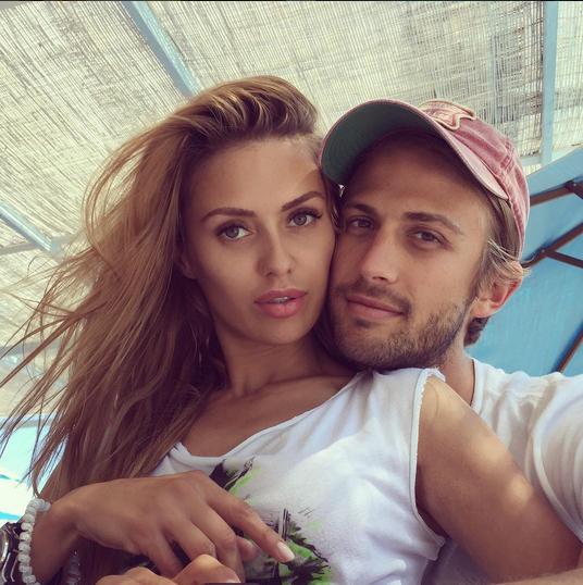 Виктория Боня и Алекс Смерфит отмечают 5 лет отношений, фото