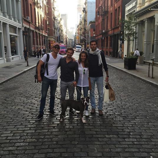Фото Алекса Смерфита с друзьями в Нью-Йорке, октябрь 2015