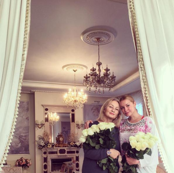 Фото Анастасии Волочковой с мамой Тамарой Владимировной Инстаграм
