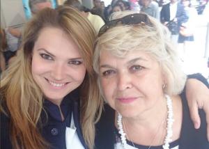Катя Жаркова фото с мамой